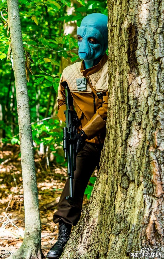 Cosplayer EvilGentleMan13 dressed as Shriv Suurgav from Star Wars Battlefront